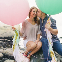 engagement-with-giant-balloon