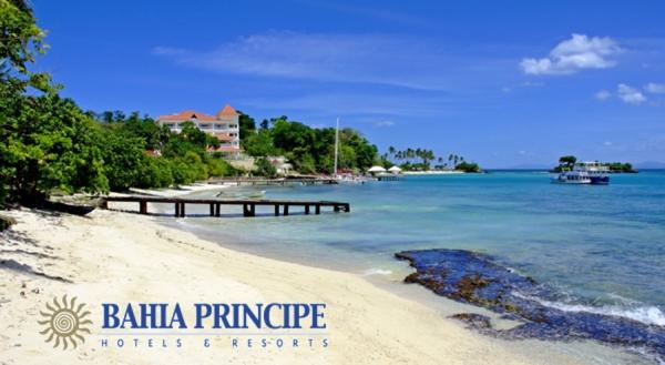 SomethingTurquoise_Bahia-Principe-destination-weddings_0001
