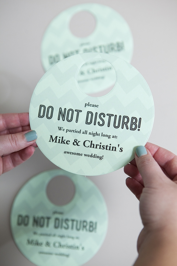 SomethingTurquoise_DIY-Do-Not-Disturb-Sign_0007.jpg