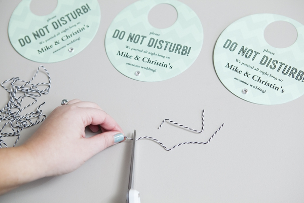 SomethingTurquoise_DIY-Do-Not-Disturb-Sign_0009.jpg