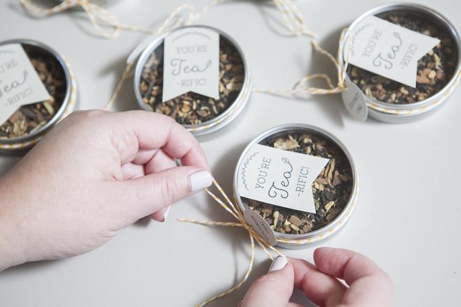 Make your own tea tin wedding favors!