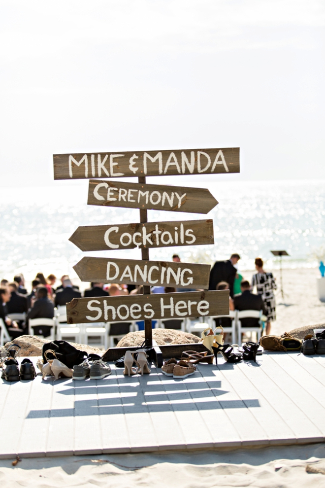 Awesome beach wedding directional sign