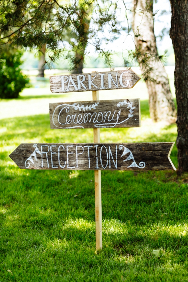 Darling wedding directional sign