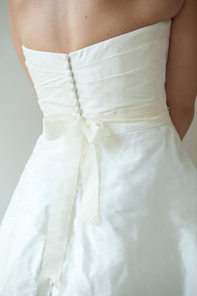 Learn how to make this chic DIY rhinestone bridal sash!