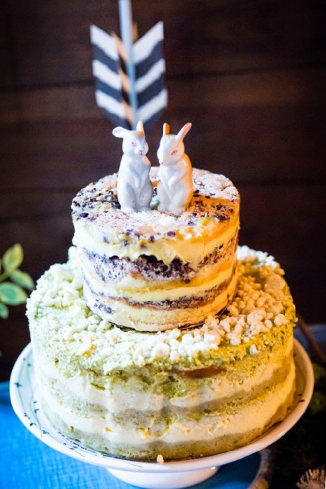 Darling naked cake with bunny toppers