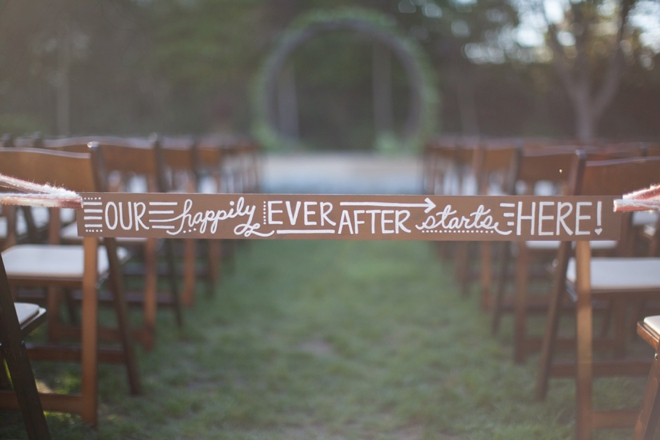 DIY - Wedding ceremony aisle tie-off sign