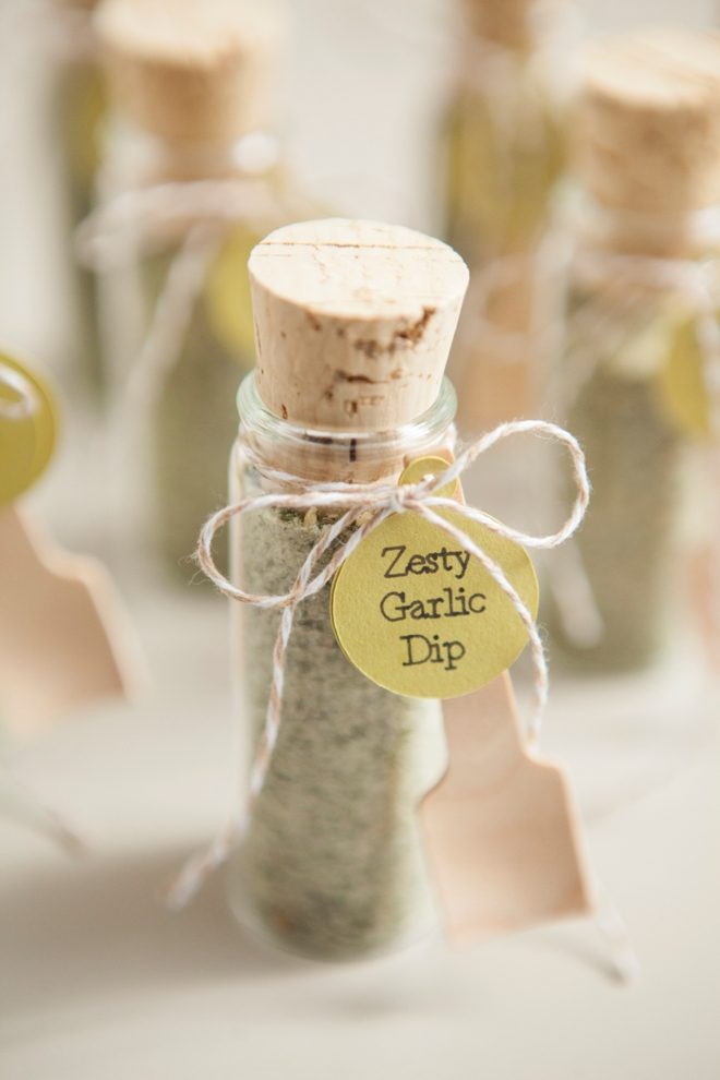 DIY Wedding Favors -- Zesty Garlic Dip Mix!