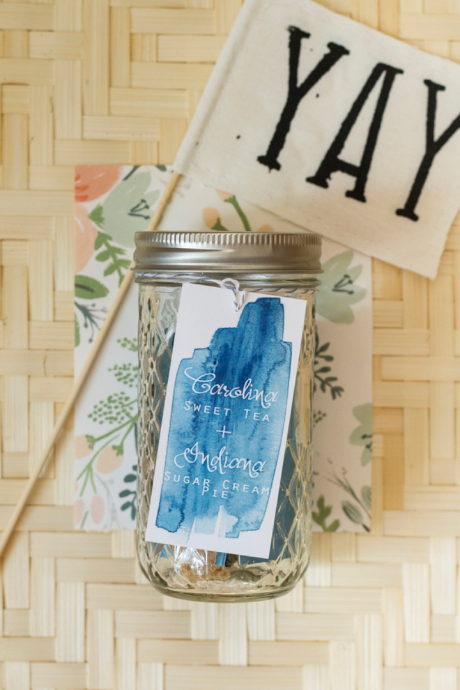 Sugar and tea wedding favors