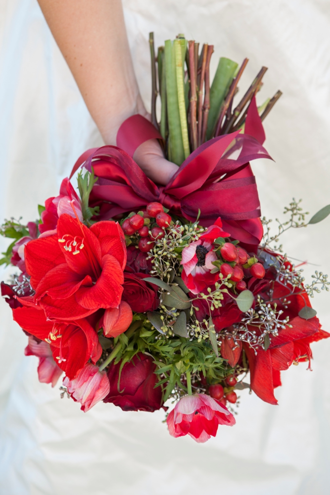 Bouquet Blueprint // Stunning red christmas wedding bouquet