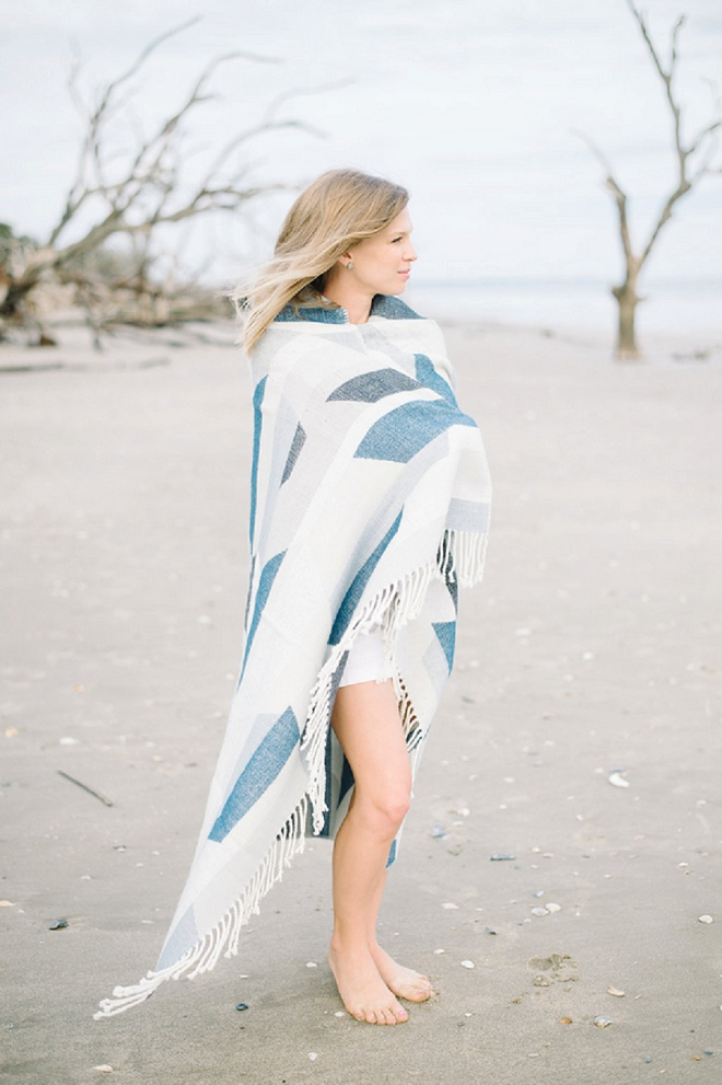 We're in love with this dreamy Charleston beach engagement!