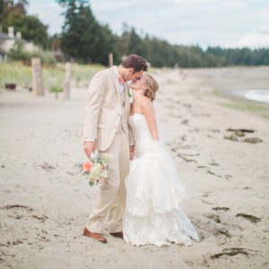 Lovely DIY (pink and mint) wedding at Tigh-Na-Mara Resort
