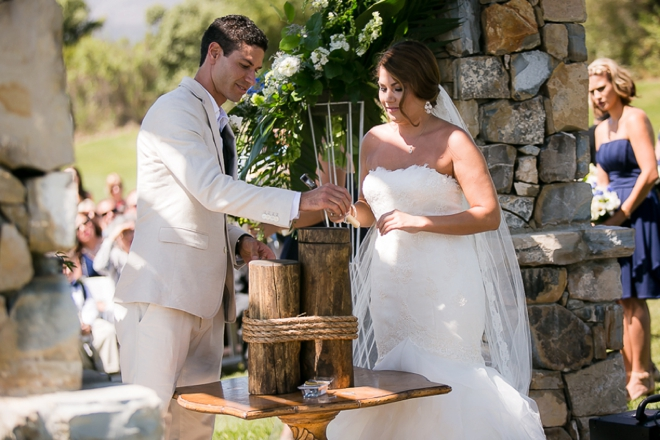 Sealing a wine box during your wedding ceremony