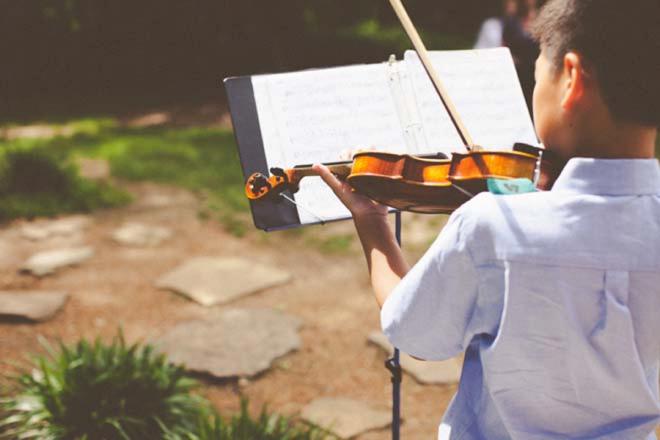 Young boy violin player