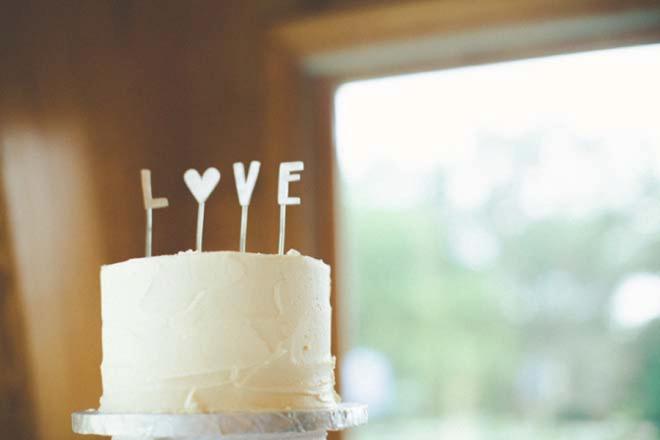 Darling little wedding cake