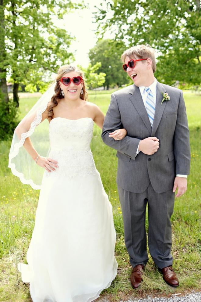 Colorful springtime wedding with DIY beer details