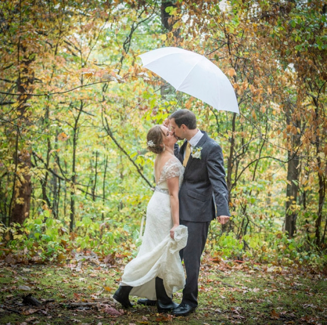 Check Out This Lovely Wedding Day Win The Rain