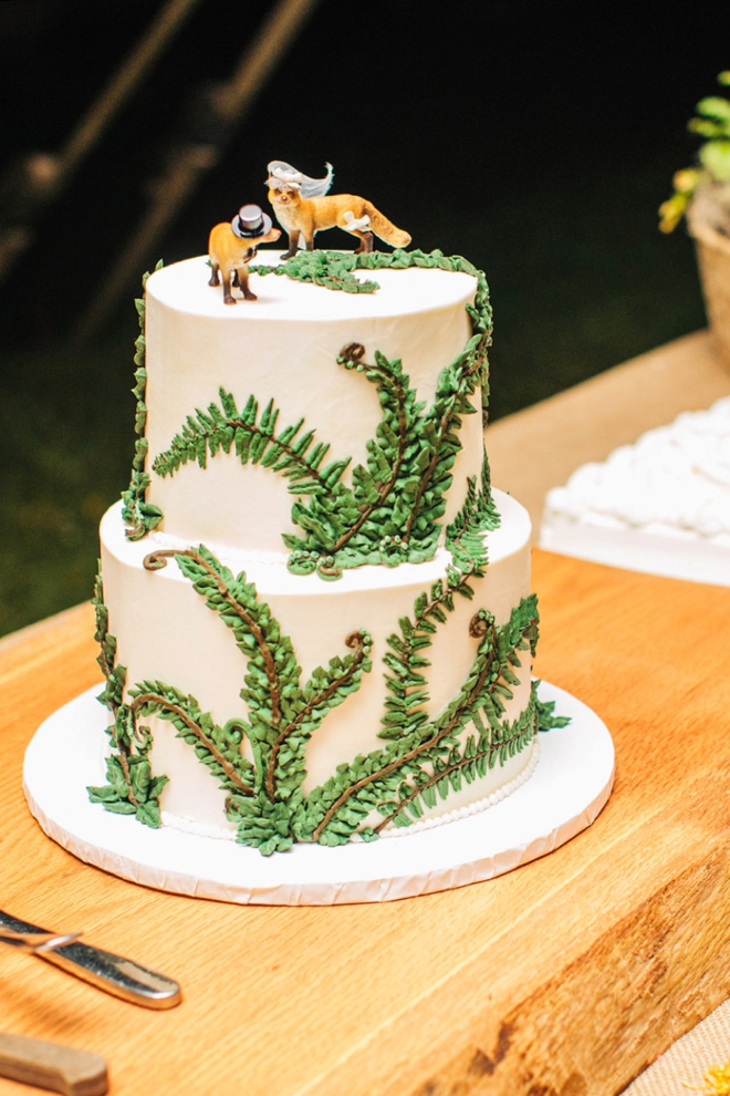 Fox cake toppers from Fairyfolk Weddings