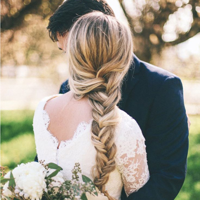 Check out these awesome tips for braided wedding hair!