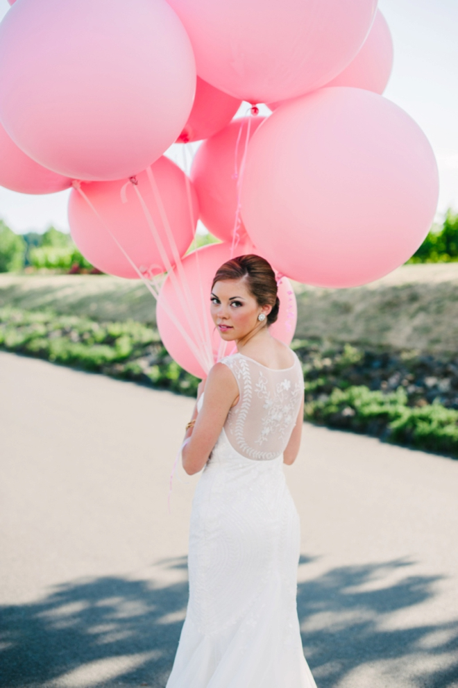 Portraits with giant pink balloons
