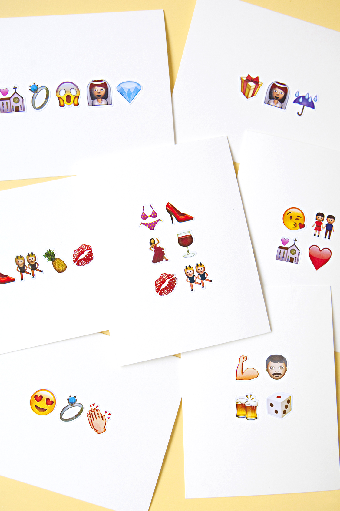 Awesome DIY Emoji Greeting Cards for Weddings