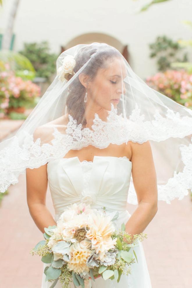 Gorgeous veil shot