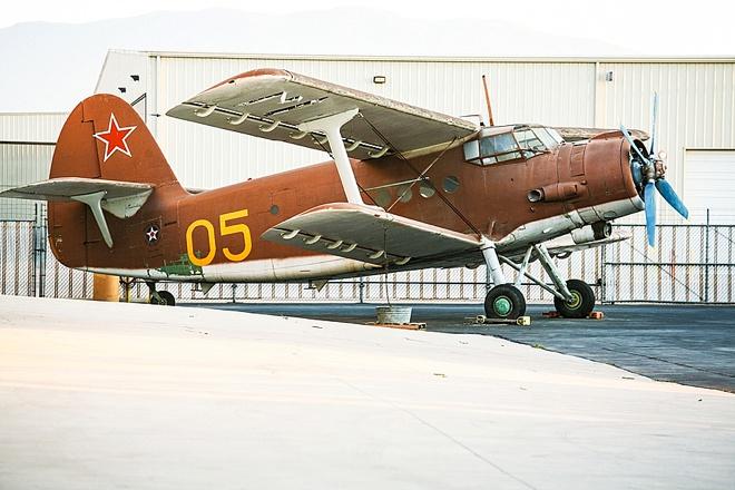 Awesome, DIY aircraft museum wedding