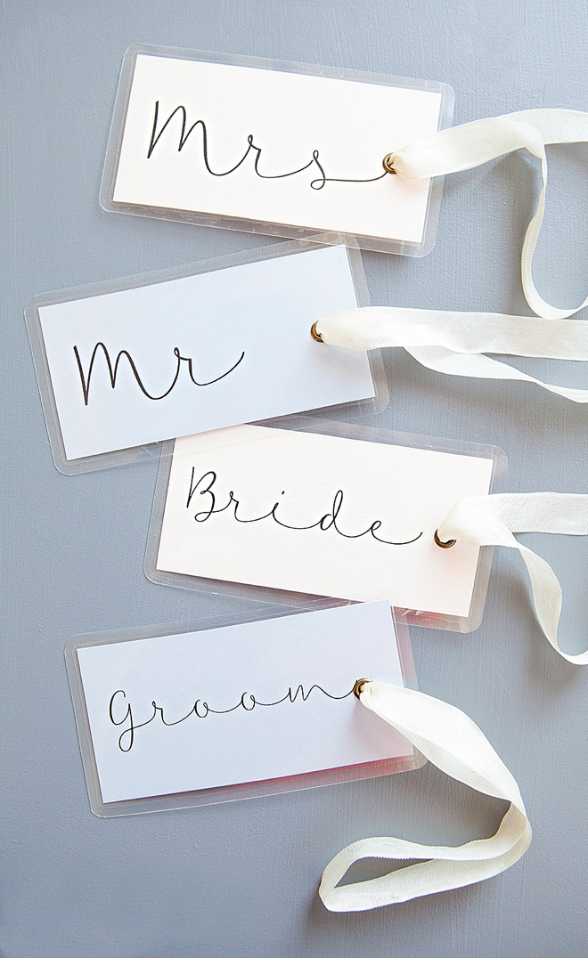 Adorable DIY wedding luggage tags!