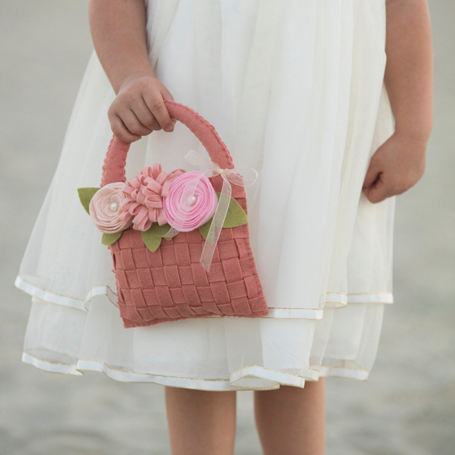 Flower Girl Baskets Diy Pinterest : Learn how to make the most adorable felt flower girl basket