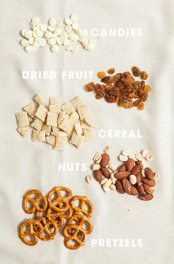 Ingredients for DIY mason jar trail mix wedding favors!