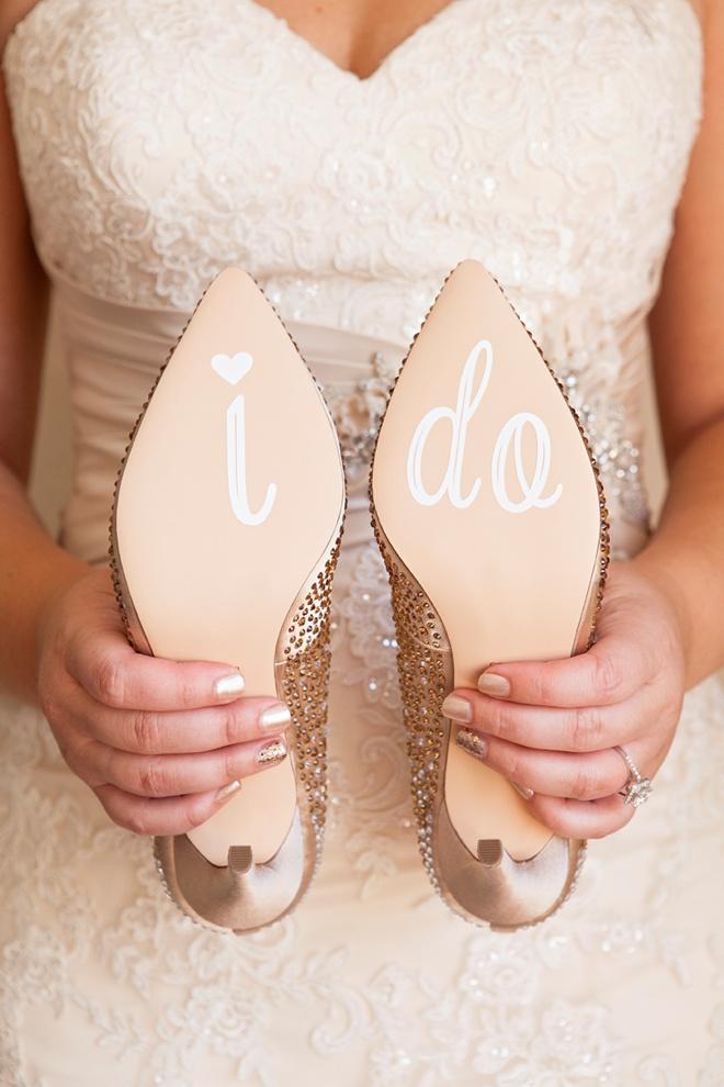 Learn how to make custom wedding shoe stickers!