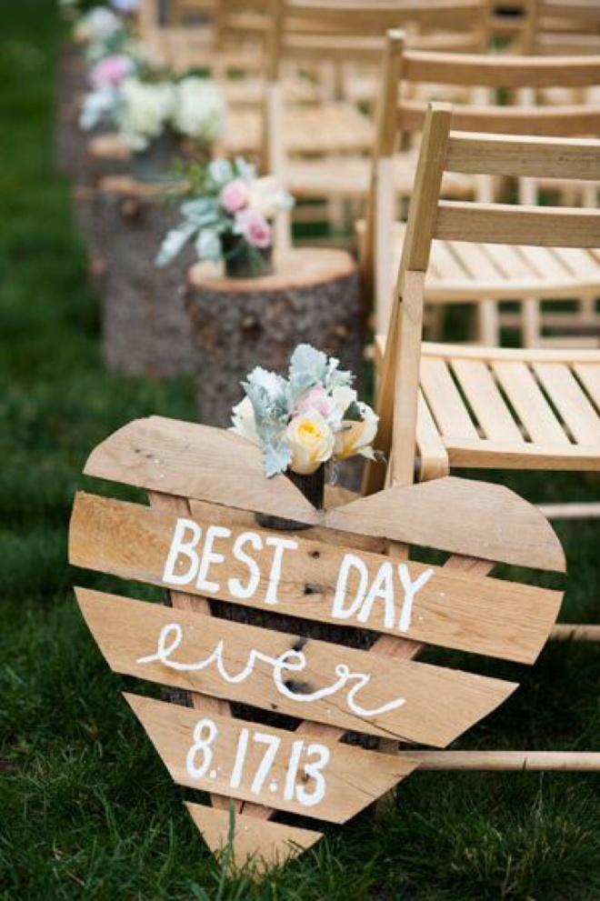 Best Day Ever, wedding sign.