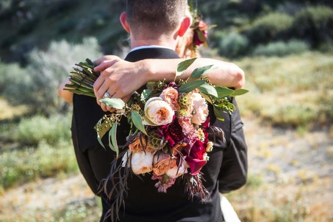 Gorgeous, early fall desert elopement inspiration!