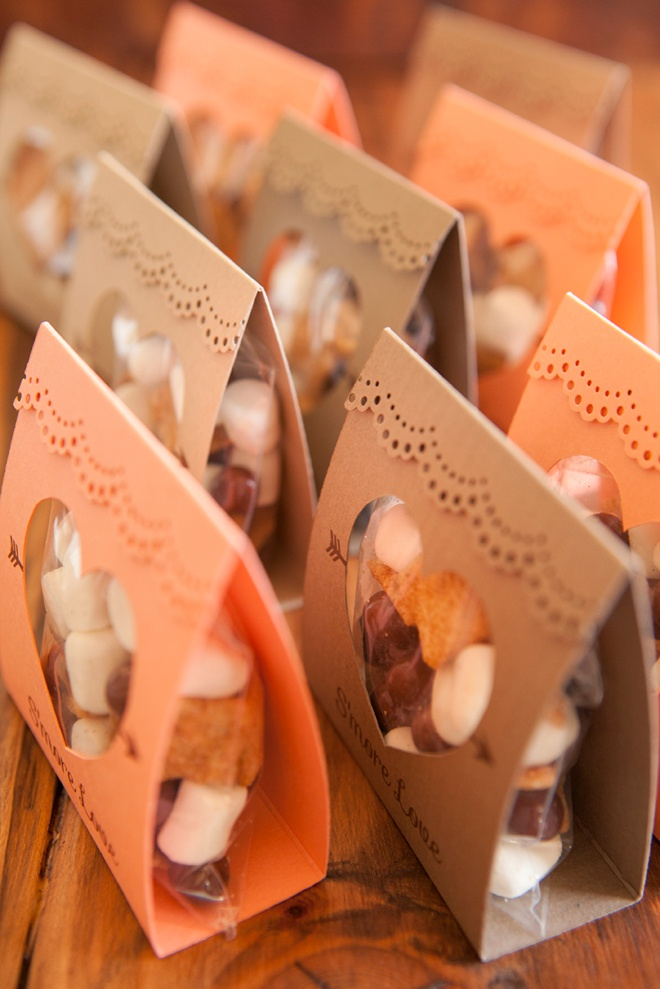 diy wedding favors how to make these adorable s more wedding favors 11661