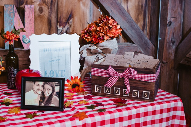 We Love This Darling Rustic Barn Recepetion!