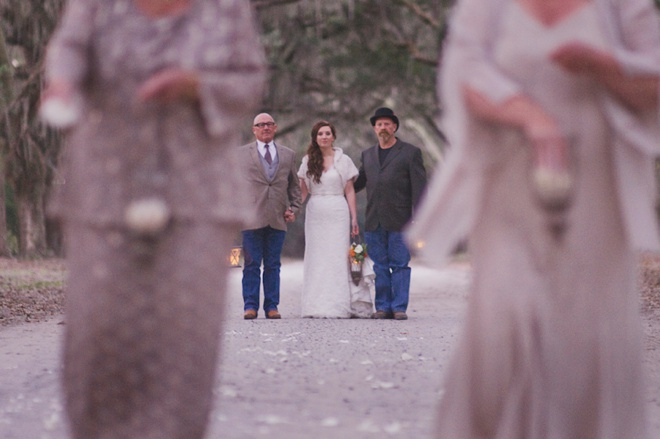 Loving this boho wedding at sunset!