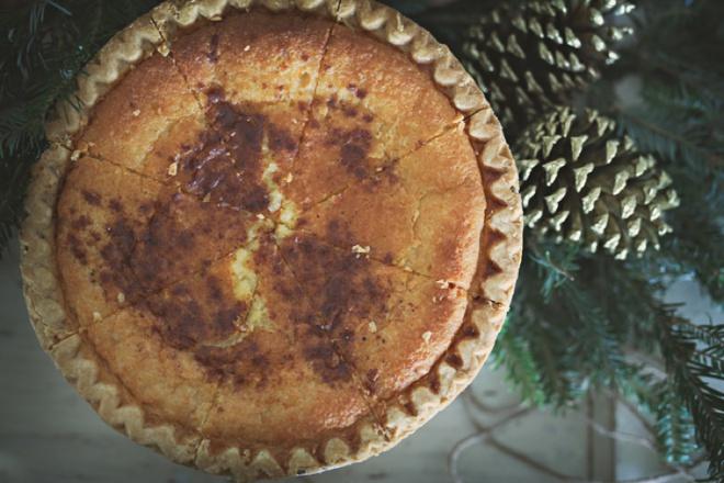 Winter wedding pie and dessert bar!
