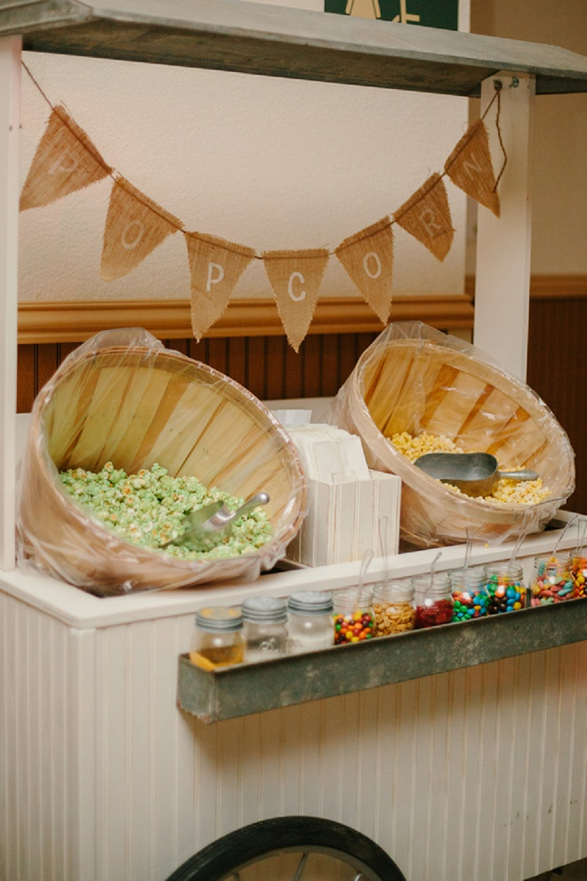 Such a darling DIY popcorn bar!
