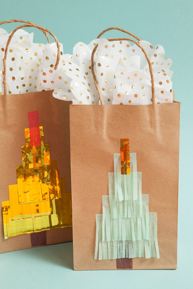 Darling idea for DIY fringe Christmas tree gift bags!