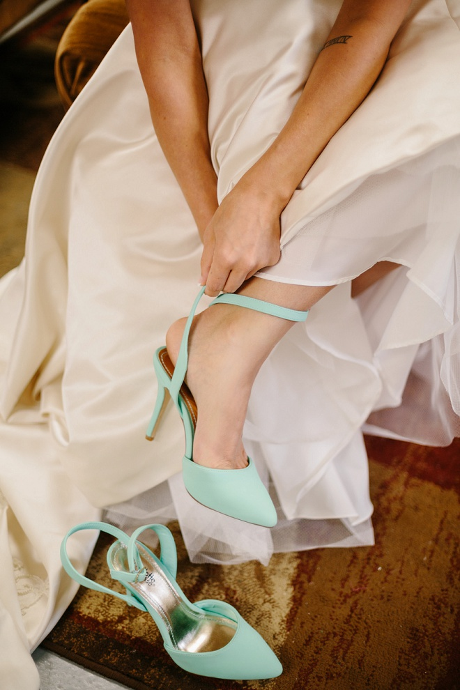 Beautiful aqua wedding shoes.
