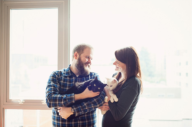 Included your cats in your engagement photos!