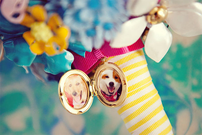 Bouquet locket with pet photo!