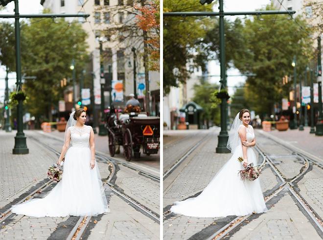 We love these darling DIY art gallery wedding!