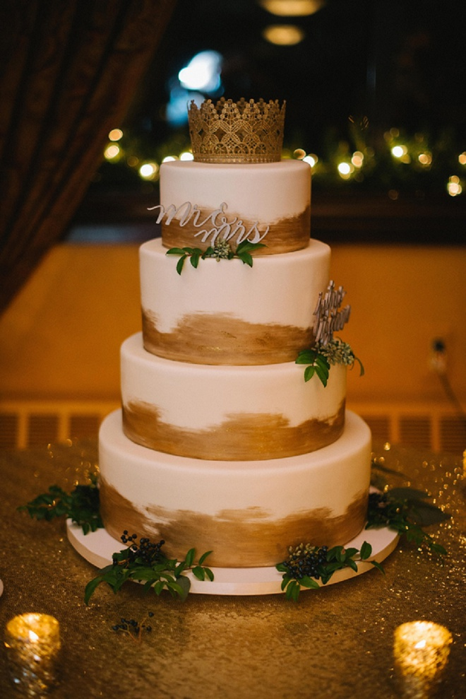 Gorgeous gold wedding cake!
