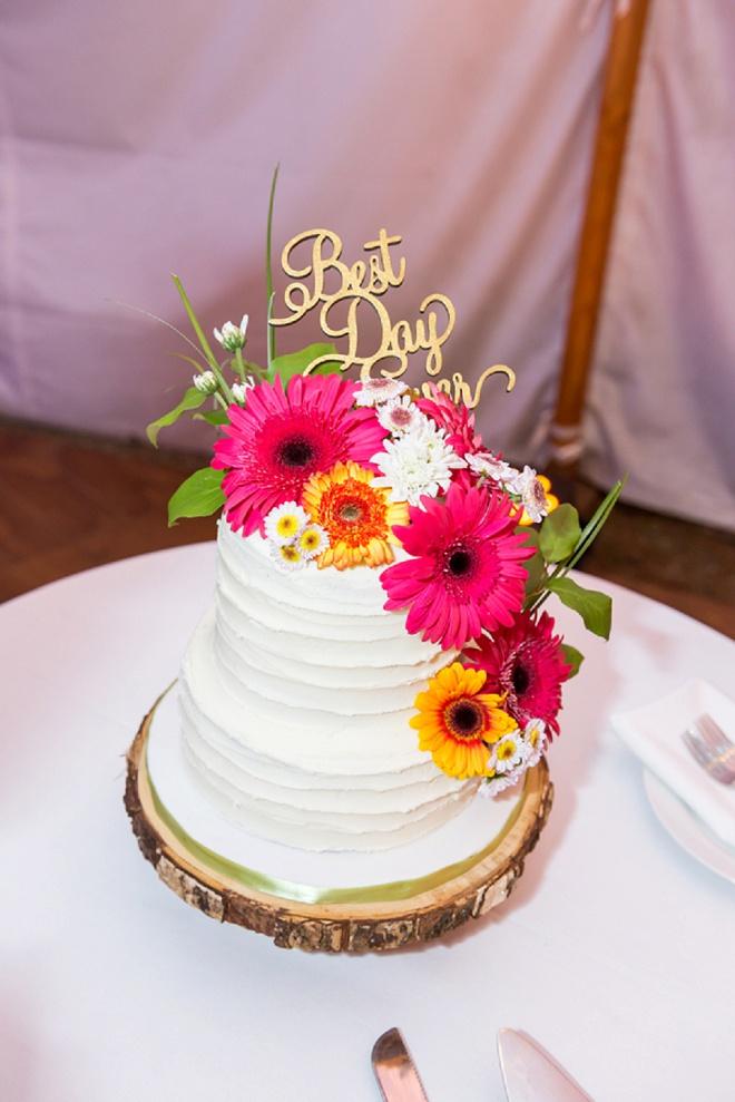 Loving this gorgeous cake!