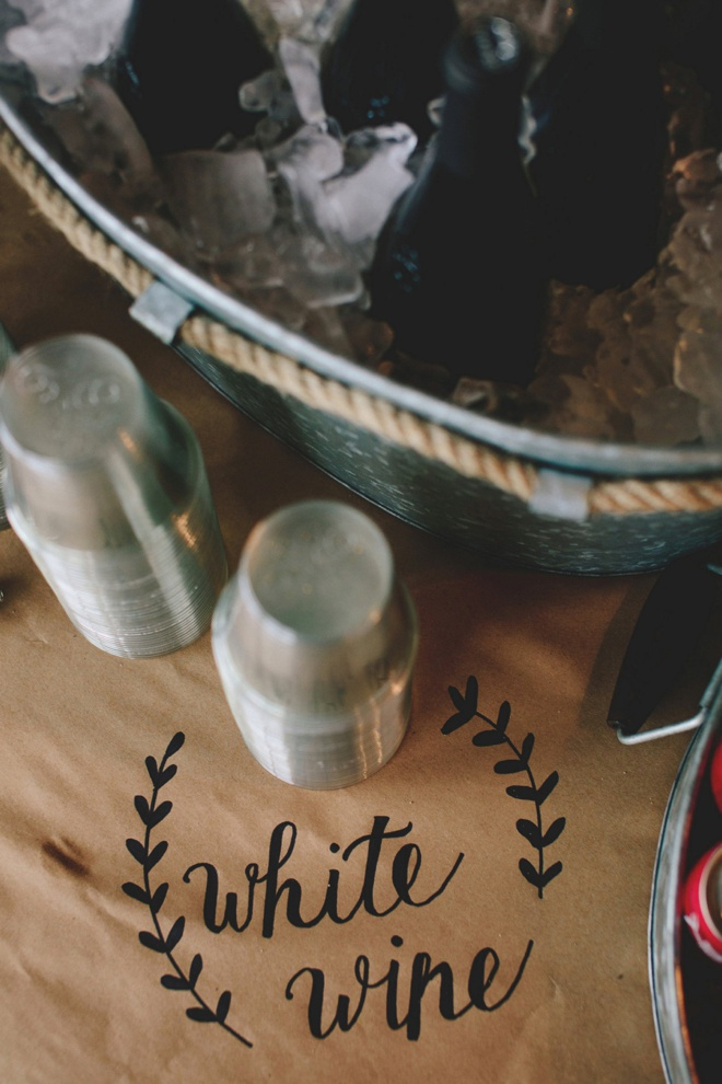 Turn kraft paper into the most awesome tablecloths awesome diy idea for using a sharpie on kraft paper for wedding table signage and decor solutioingenieria Image collections