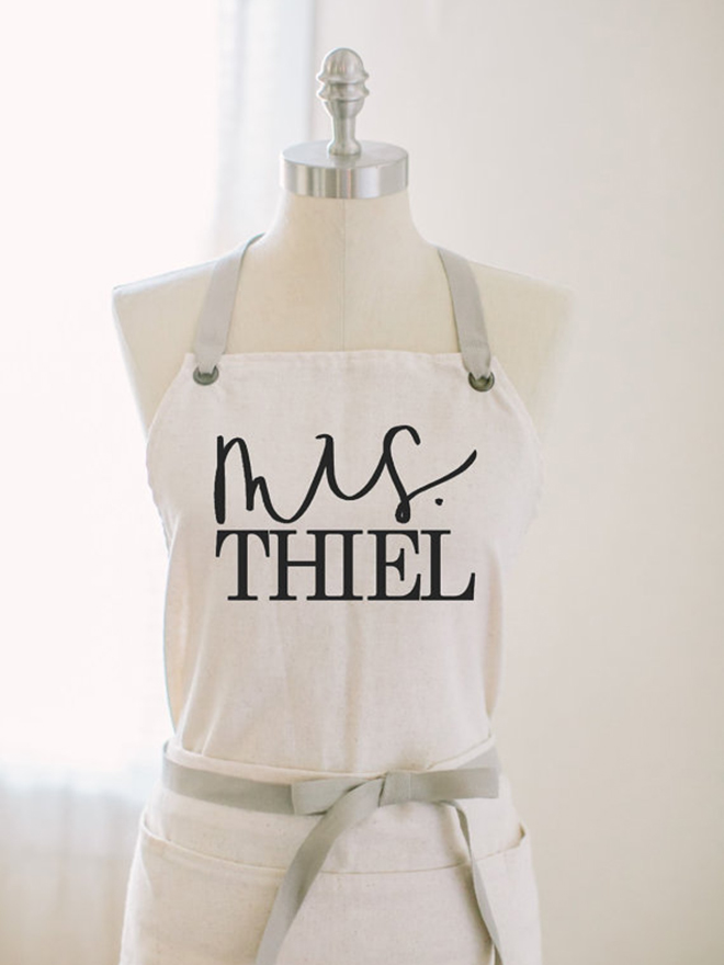 How adorable is this personalized Mrs apron from Parris Chic Boutique!