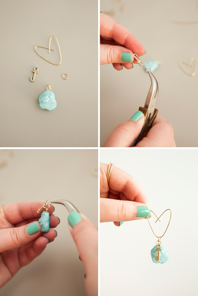 How cute are these DIY bouquet charms, one for each bridesmaid and the bride!