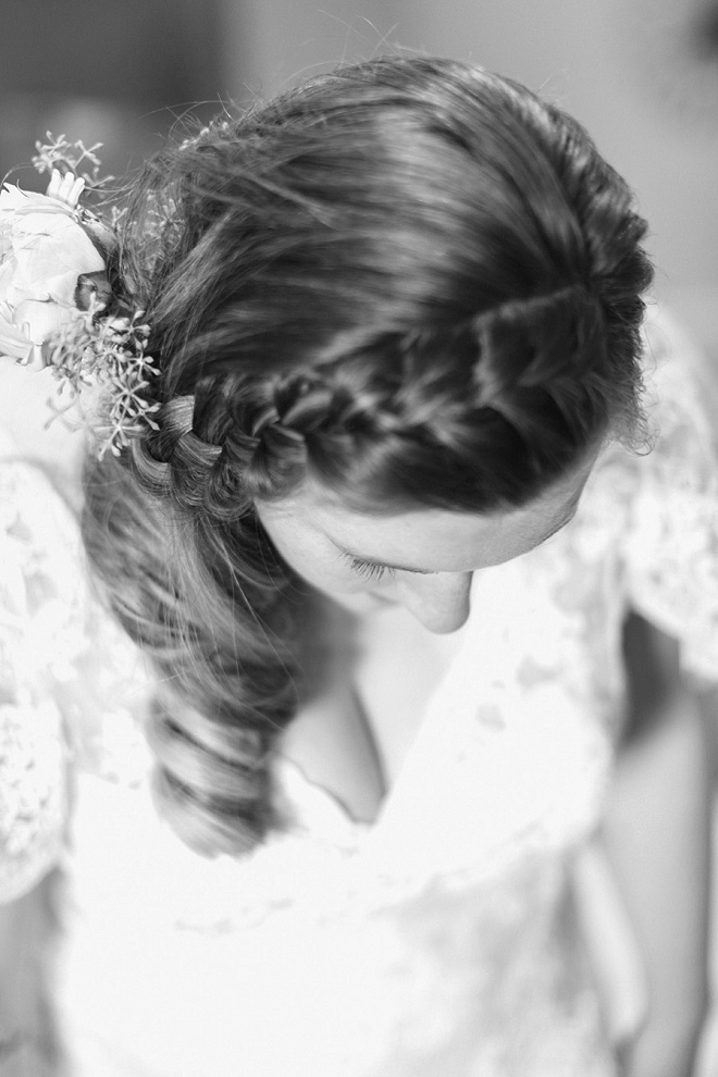 We're loving this bride's boho wedding hair and braid!