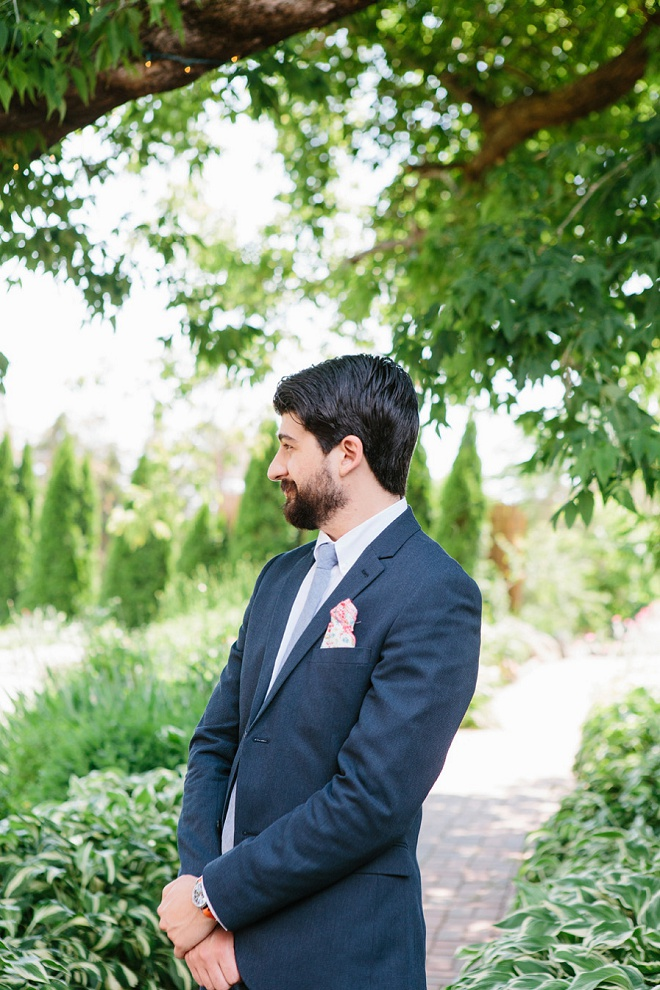 We love this Handsome Groom's wedding style!