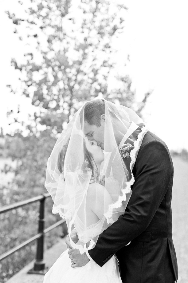 We're loving this gorgeous veil shot!